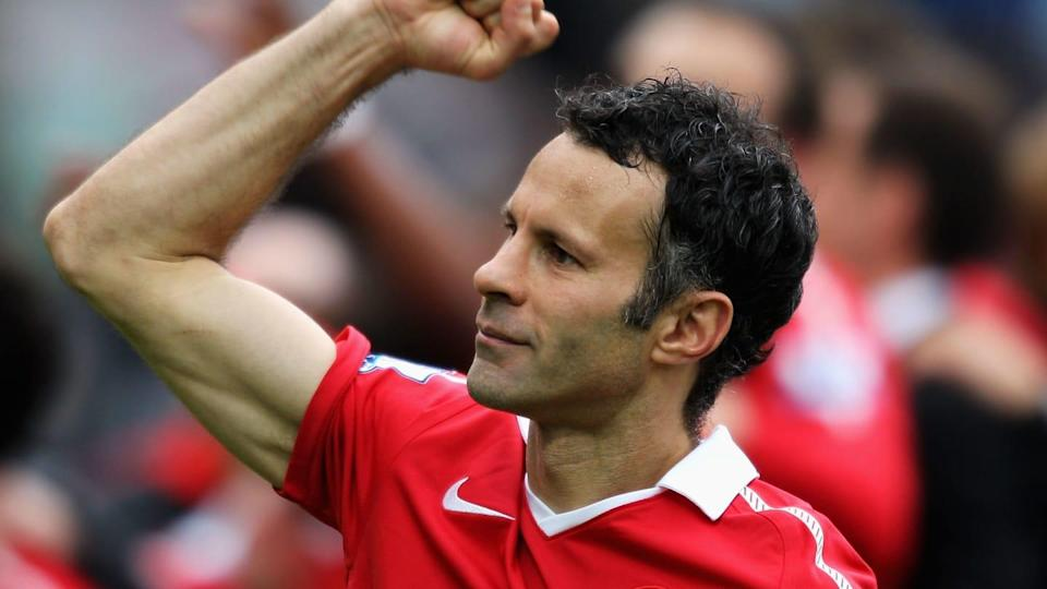 Giggs com a camisa do Manchester United   Dean Mouhtaropoulos/Getty Images