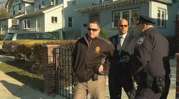 PHOTO: New York Police Department detectives searched the apartment of missing teacher Jeanine Cammarata in New Brighton, Staten Island, on Wednesday, April 3, 2019. (WABC)