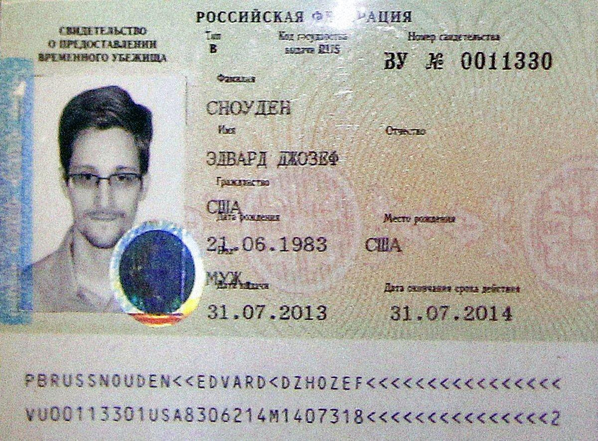Snowden's temporary asylum document from August 2013.