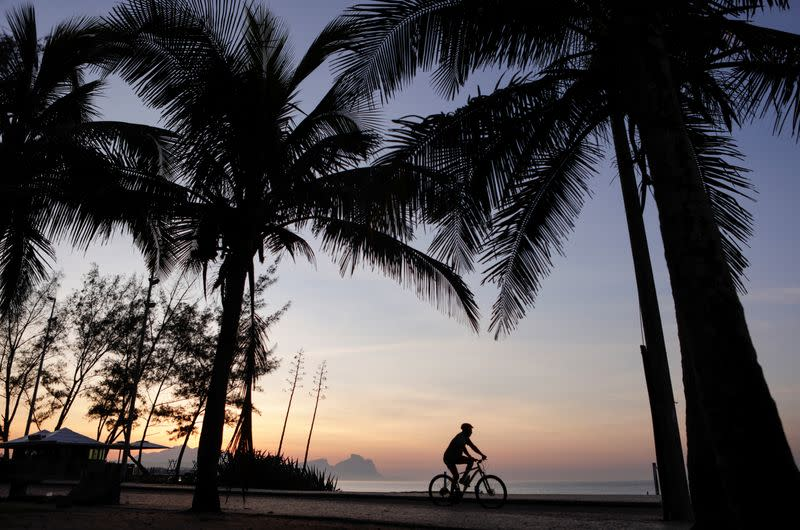 Rio de Janeiro will reopen beaches when there is a COVID-19 vaccine - mayor