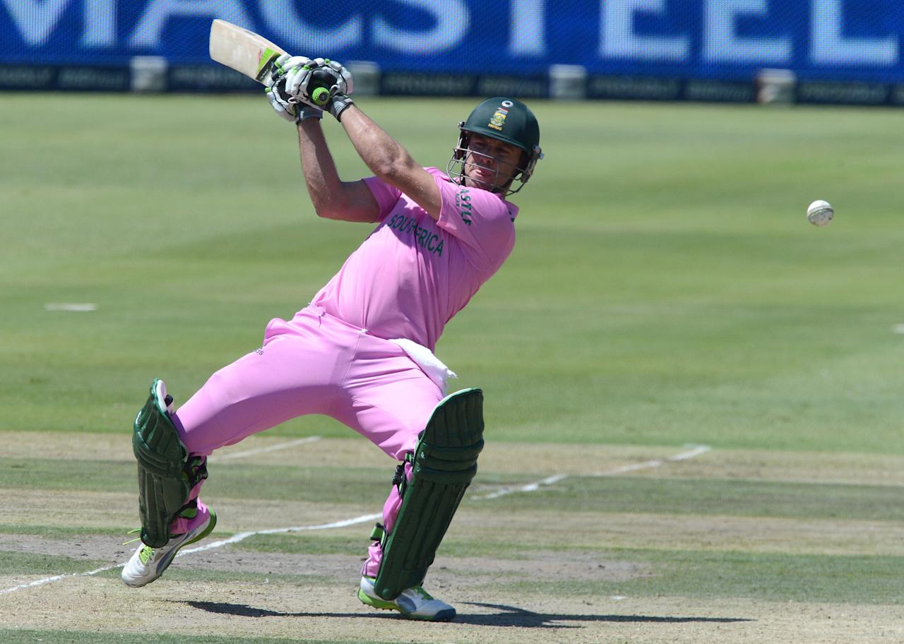 JOHANNESBURG, SOUTH AFRICA - MARCH 17:  AB de Villiers of South Africa reverse sweeps a delivery during the 3rd Momentum ODI match between South Africa and Pakistan at Bidvest Wanderers Stadium on March 17, 2013 in Johannesburg, South Africa. (Photo by Duif du Toit/Gallo Images/Getty Images)