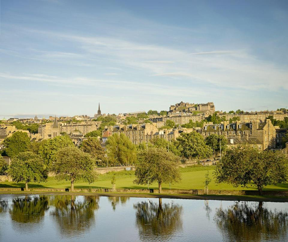 """<p>North of the city centre, Inverleith Park is loved by locals and tourists alike, mainly for its tranquil lakes and myriad walking opportunities, in and amongst flora and fauna. <br></p><p>If you're visiting during the summer then the floral meadow is a lovely spot for a picnic, as is the sundial garden.</p><p>There are also a plethora of sports pitches to get some good old fashioned inter-family competition going, as well as horse riding and nature trails to explore.</p><p><a class=""""link rapid-noclick-resp"""" href=""""https://go.redirectingat.com?id=127X1599956&url=https%3A%2F%2Fwww.booking.com%2Fcity%2Fgb%2Fedinburgh.en-gb.html&sref=https%3A%2F%2Fwww.prima.co.uk%2Ftravel%2Fg34809522%2Fedinburgh-with-kids%2F"""" rel=""""nofollow noopener"""" target=""""_blank"""" data-ylk=""""slk:BROWSE HOTELS IN EDINBURGH"""">BROWSE HOTELS IN EDINBURGH</a></p><p><strong><a href=""""https://hearst.emsecure.net/optiext/optiextension.dll?ID=iJB5XQ9hbysIihBPVSR1SDFHDwOevp5cB7mtotiL0TWlZ15eC%2BWQWXYp3HVN6xoPbvNGcYnocErOiJ"""" rel=""""nofollow noopener"""" target=""""_blank"""" data-ylk=""""slk:Sign up"""" class=""""link rapid-noclick-resp"""">Sign up</a> for inspirational travel stories and to hear about our favourite financially protected escapes and bucket list adventures.</strong></p><p><a class=""""link rapid-noclick-resp"""" href=""""https://hearst.emsecure.net/optiext/optiextension.dll?ID=iJB5XQ9hbysIihBPVSR1SDFHDwOevp5cB7mtotiL0TWlZ15eC%2BWQWXYp3HVN6xoPbvNGcYnocErOiJ"""" rel=""""nofollow noopener"""" target=""""_blank"""" data-ylk=""""slk:SIGN UP"""">SIGN UP</a></p>"""