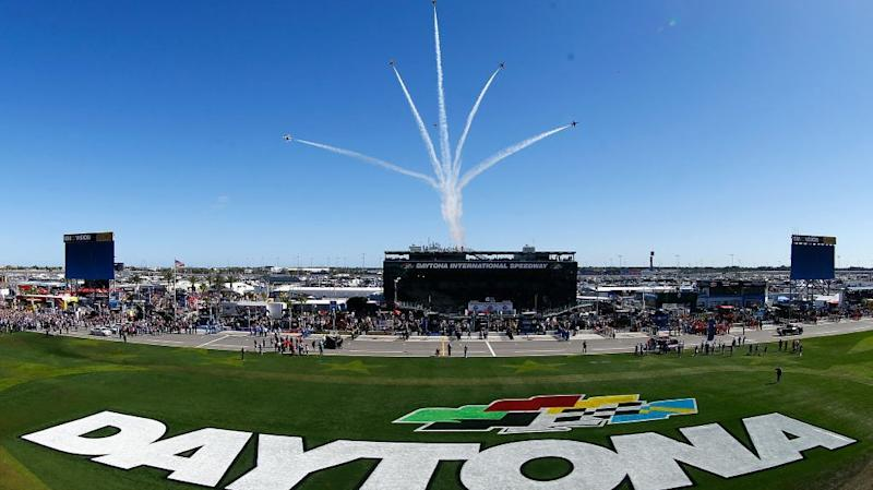 'Big One' erupts late in Daytona 500 bringing out red flag