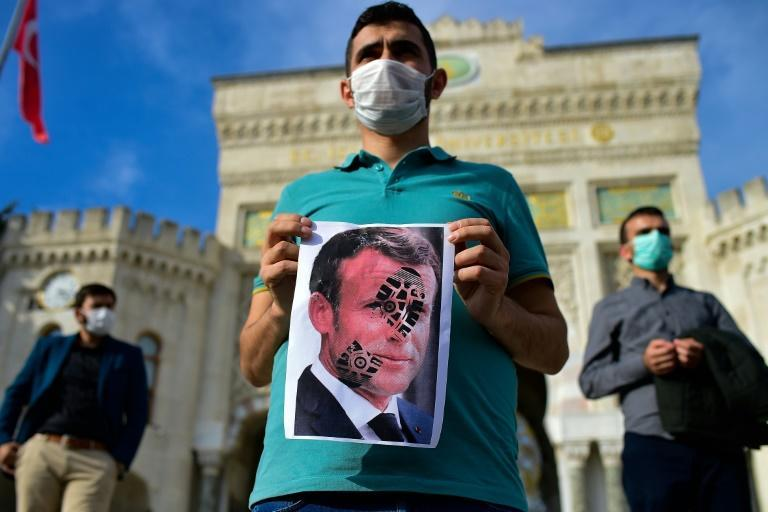Protesters took to the streets of Istanbul Sunday to voice their objection to French President Emmanuel Macron's recent comments on Islam