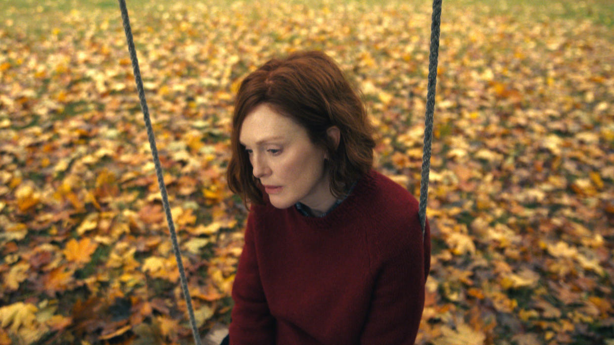 Julianne Moore plays the lead role in 'Lisey's Story'. (Apple TV+)