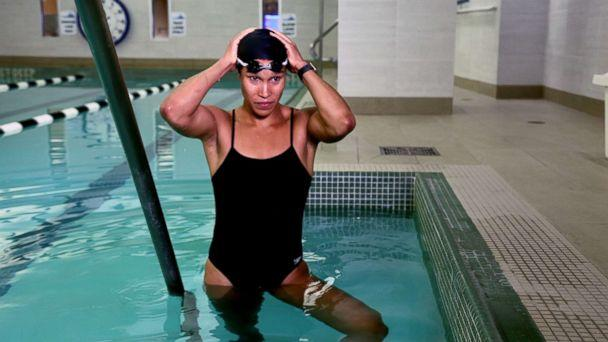PHOTO: Equinox instructor Cece Marizu shares a pool workout for summer. (ABC News)