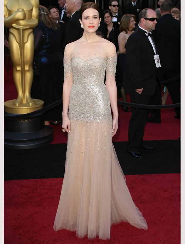 Oscars 2011 photos: Mandy Moore glittered in this beautiful Monique Lhuiller gown.