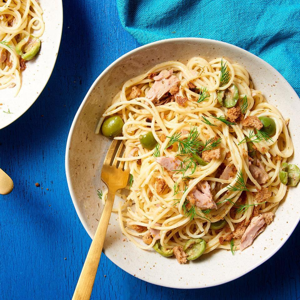<p>Use the one-pot pasta cooking method to make this tuna pasta recipe that calls for just 5 ingredients and is ready in just over half an hour. For extra crunch and a tuna noodle casserole feel, sprinkle this speedy pasta dish with toasted whole-wheat panko breadcrumbs.</p>