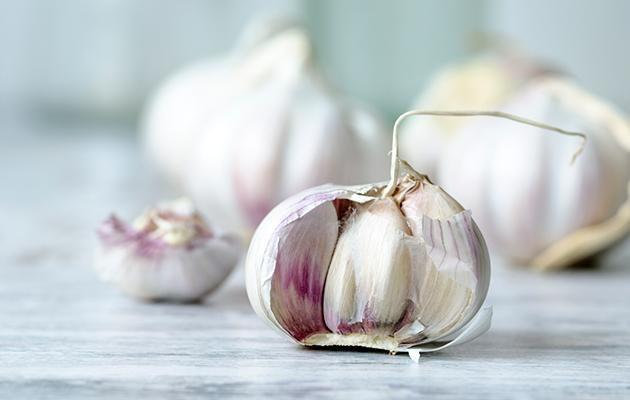 Here's why you shouldn't store garlic in the fridge. Photo: Getty