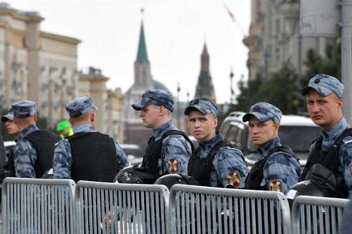 Police were deployed in large numbers in central Moscow (AFP Photo/Alexander NEMENOV)