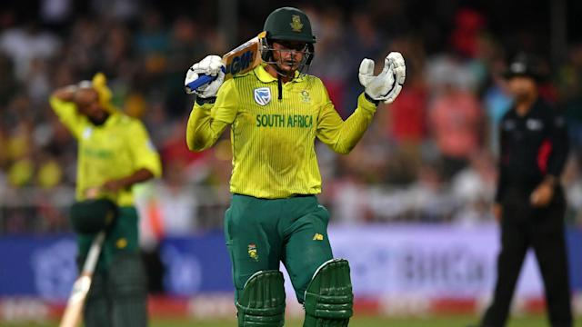 England levelled the Twenty20 series against South Africa, Tom Curran the hero as they won by two runs in the second match.