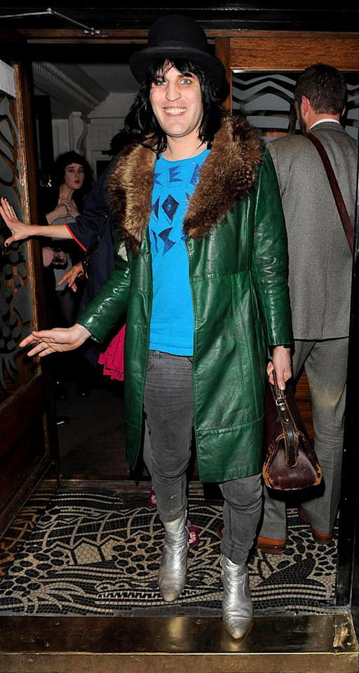 "There is nothing funny about British comedian Noel Fielding's outrageous outfit. Instead of smiling, he should be crying. Focus Pictures/<a href=""http://www.pacificcoastnews.com/"" target=""new"">PacificCoastNews.com</a> - March 25, 2009"