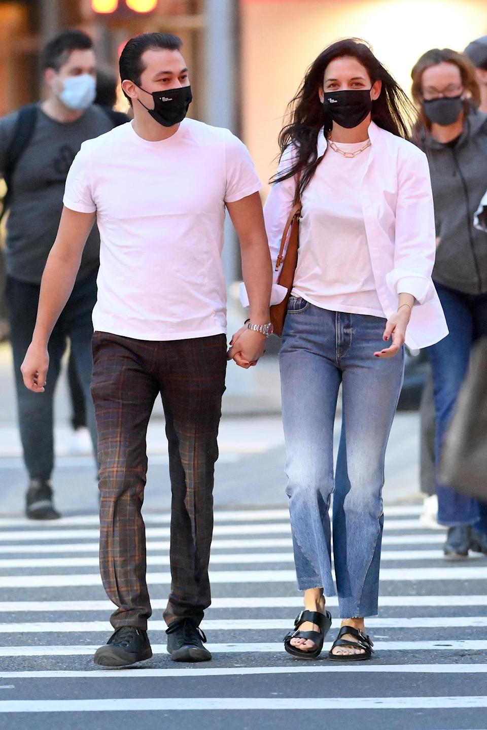 <p>Katie Holmes and her boyfriend Emilio Vitolo Jr. were spotted holding hands after shopping for furniture in New York City.</p>