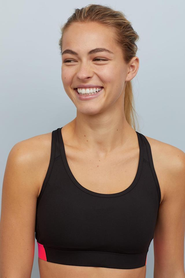 "<p>Sakina likes this sweat-wicking, fast-drying <a href=""https://www.popsugar.com/buy/H%26amp%3BM%20High-Support%20Sports%20Bra-464983?p_name=H%26amp%3BM%20High-Support%20Sports%20Bra&retailer=www2.hm.com&price=25&evar1=fit%3Aus&evar9=46332016&evar98=https%3A%2F%2Fwww.popsugar.com%2Ffitness%2Fphoto-gallery%2F46332016%2Fimage%2F46332017%2FChafe-Resistant-Sports-Bra&list1=workout%20clothes%2Cyoga%2Cworkouts%2Cfitness%20gear&prop13=api&pdata=1"" rel=""nofollow"" data-shoppable-link=""1"" target=""_blank"" class=""ga-track"" data-ga-category=""Related"" data-ga-label=""https://www2.hm.com/en_us/productpage.0661399007.html"" data-ga-action=""In-Line Links"">H&amp;M High-Support Sports Bra</a> ($25). ""Never opt for cotton when taking hot yoga because it can cause chafing, skin irritation, and heaviness due to sweat absorption,"" she told POPSUGAR.</p>"