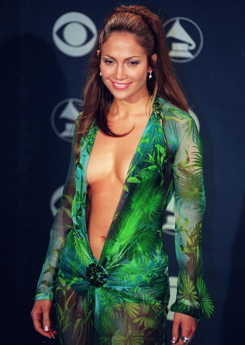Jennifer Lopez bei den Grammy Awards im Februar 2000 in Los Angeles. (Bild: Getty Images)