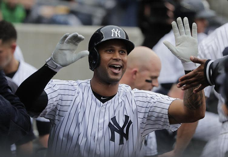 Yankees outfielder Aaron Hicks joined Mickey Mantle in an exclusive home run club (AP)