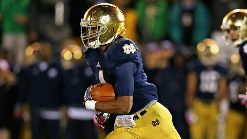 George Atkinson III of the Notre Dame Fighting Irish runs against the University of Southern California Trojans on October 19, 2013 in South Bend, Indiana. (Photo by Jonathan Daniel/Getty Images)
