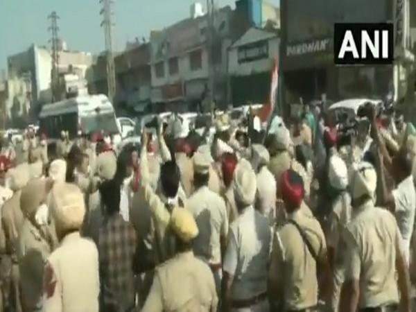 Youth Congress workers clash with police in Ludhiana (Photo/ANI)