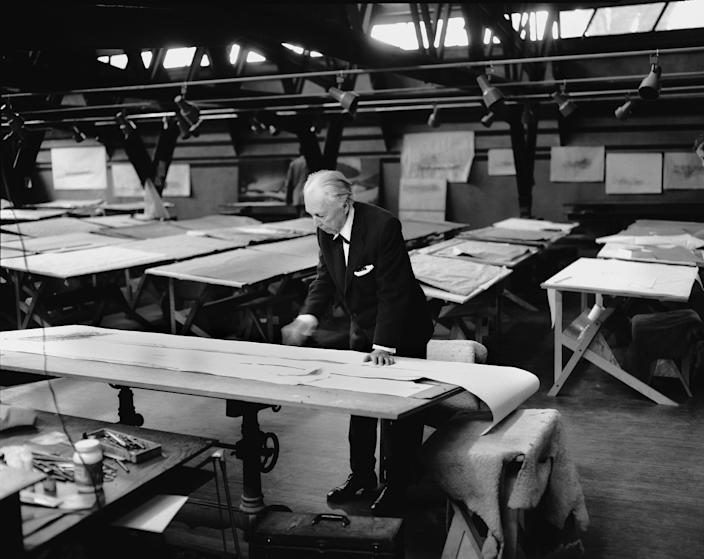 "<div class=""caption""> Wright at work in his studio. </div> <cite class=""credit"">Photo: Courtesy of the Frank Lloyd Wright Foundation Archives (The Museum of Modern Art 