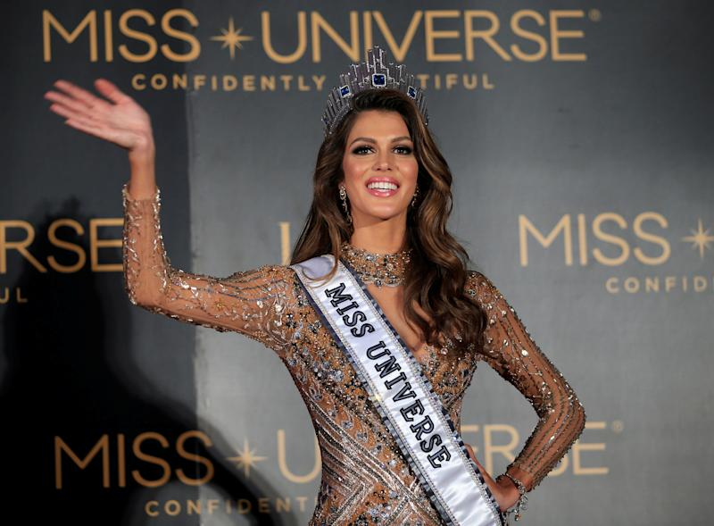 qui est iris mittenaere miss france 2016 lue miss univers. Black Bedroom Furniture Sets. Home Design Ideas