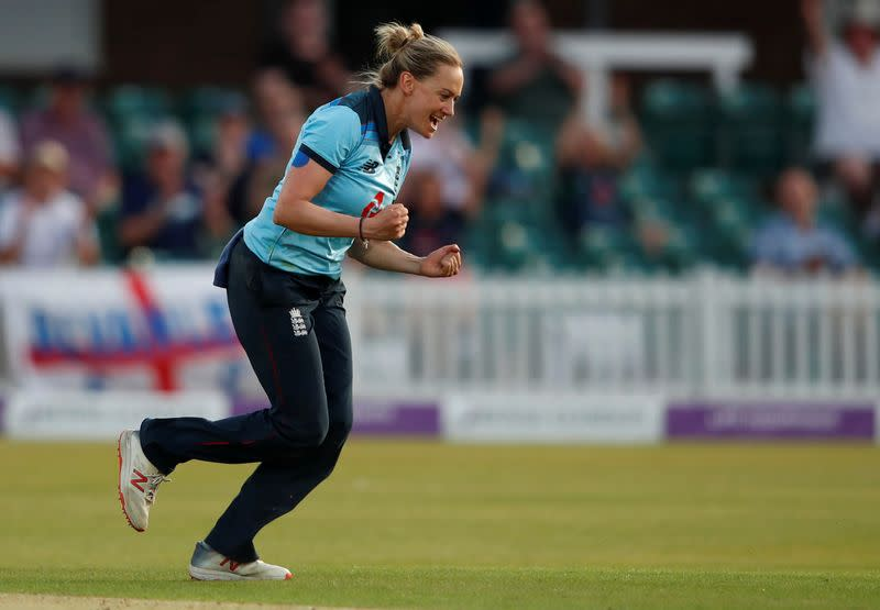 England off-spinner Laura March announces international retirement