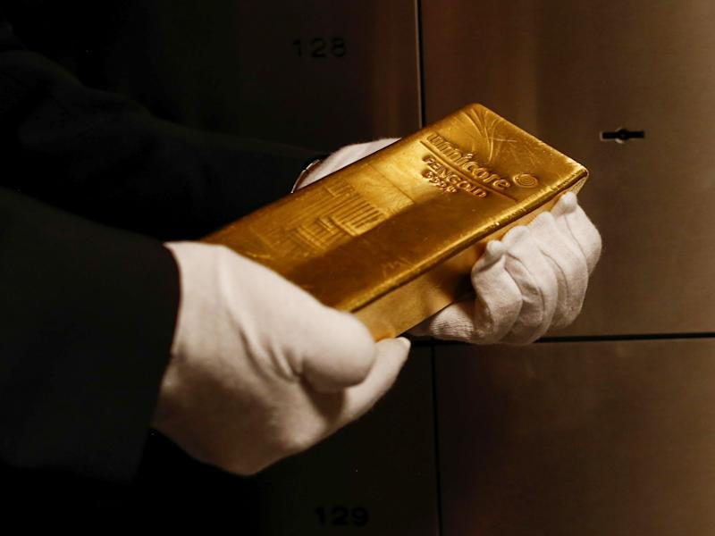 Investors Stick to Their Guns on Gold to Reap Last-Minute Payoff