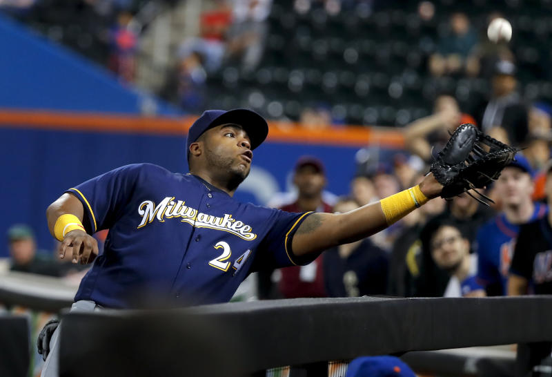 Anderson sharp, Brewers get help on odd play, beat Mets 2-1