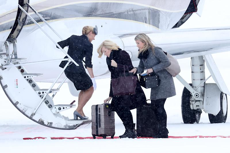 OSLO, NORWAY - FEBRUARY 01: Catherine, Duchess of Cambridge's hairdresser Amanda Cook Tucker (C) and stylist Natasha Archer (R) arrive to Oslo Gardermoen Airport on day 3 of Prince William, Duke of Cambridge and Catherine, Duchess of Cambridge's visit to Sweden and Norway on February 1, 2018 in Oslo, Norway. (Photo by Chris Jackson/Chris Jackson/Getty Images)