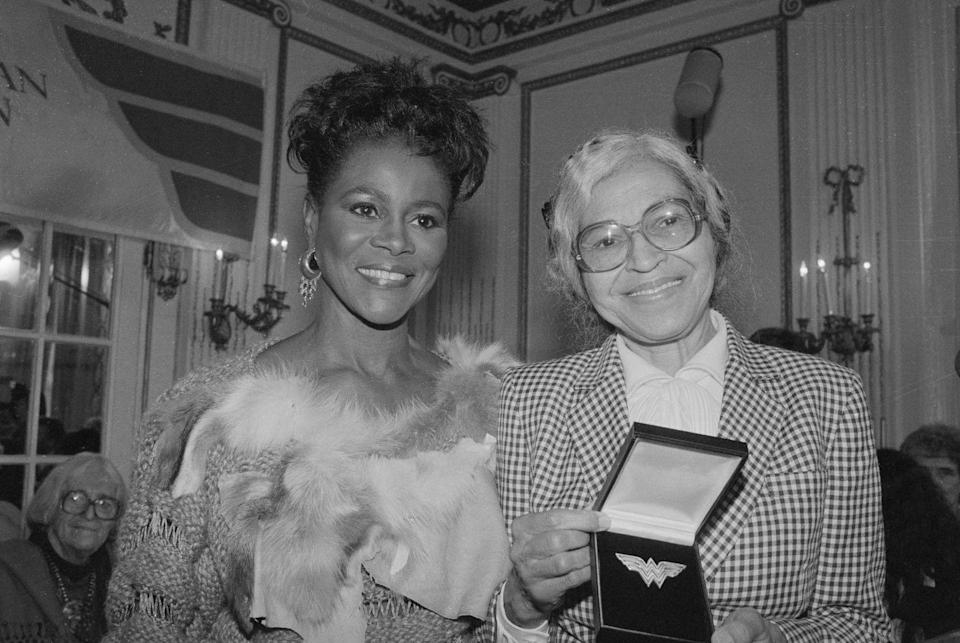 <p>Cicely presented Rosa Parks with the Eleanor Roosevelt Woman of Courage award in Detroit Michigan.</p>
