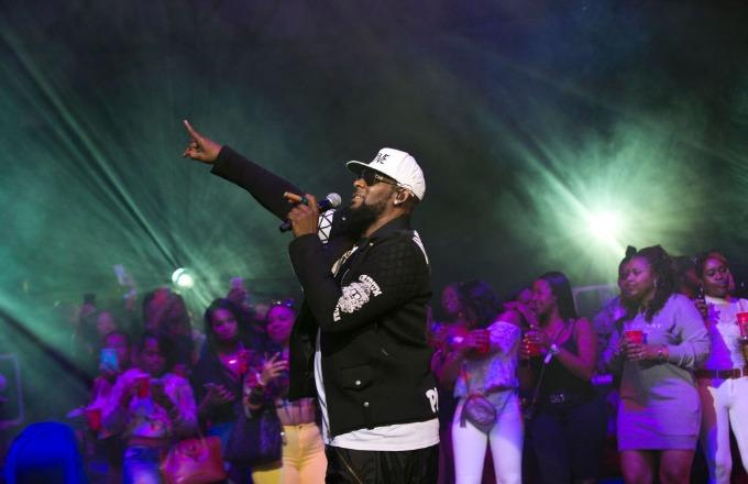 R. Kelly Reportedly Having Serious 'Panic Attacks' Since Documentary's Release