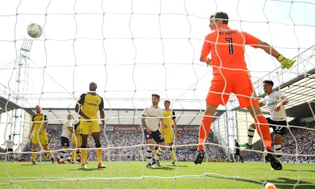 """Soccer Football - Championship - Preston North End vs Burton Albion - Deepdale, Preston, Britain - May 6, 2018 Preston North End's Callum Robinson scores his sides first goal Action Images/Jason Cairnduff EDITORIAL USE ONLY. No use with unauthorized audio, video, data, fixture lists, club/league logos or """"live"""" services. Online in-match use limited to 75 images, no video emulation. No use in betting, games or single club/league/player publications. Please contact your account representative for further details."""