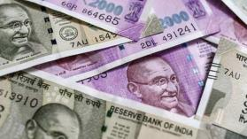 Rupee drops to Rs.70.54 against US dollar; hits 3 month low