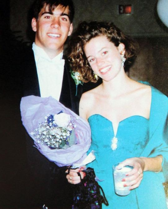 """<p>Elizabeth Banks donned chic '90s attire for her prom night at Pittsfield High School in Pittsfield, Mass., in 1992. Back then, the <em>Pitch Perfect 2</em> actress's credits were limited to school plays and a lip-syncing competition that she and a group of girls won with a performance of Paula Abdul's """"Cold-Hearted Snake."""" (Photo: Splash News) </p>"""