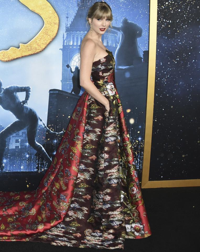 """Lincoln Center was the cat's meow on Monday night when the stars of<em><a href=""""https://ew.com/creative-work/cats-2019-movie/"""">Cats</a></em>turned out for the world premiere. Ahead of the film clawing its way into theaters on Friday, the cast and fans prowled the carpet in their best for the Jellicle Ball. Soon these looks will be but a memory (all alone in the moonlight), but click through to relive the <em>purr</em>-fect style <em>fur</em>-ever."""
