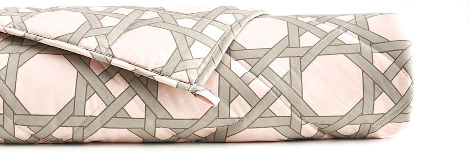 YnM Cooling Weighted Blanket with 100% Bamboo Viscose in Pink Geometry