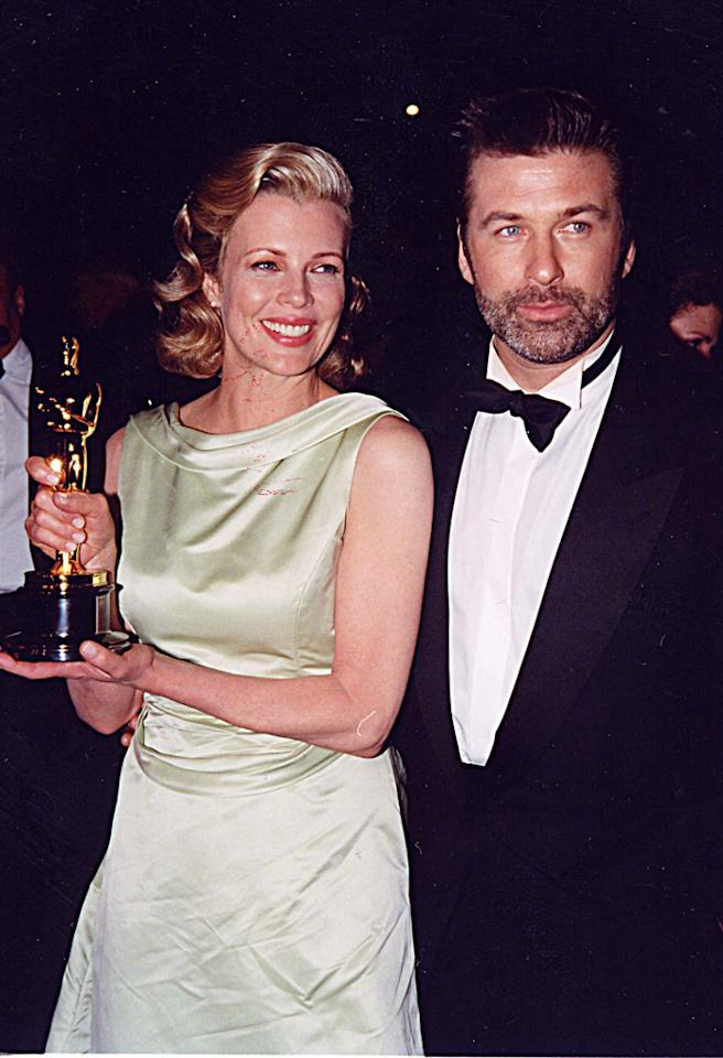 Kim Basinger & Alec Baldwin at the 1998 Vanity Fair Oscar Party in Los Angeles. (Photo by Jeff Kravitz/FilmMagic)