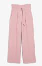 "<p>Prix : 35 €</p><br><a href=""https://www.monki.com/en_eur/indexclothing/trousers-shorts/trousers/product.high-waist-paperbag-trousers-pink.0928663004.html?gclid=Cj0KCQiApY6BBhCsARIsAOI_GjYBxfnWxiteREuogjdilTfFUzYdJ4UTu28jYYQlReRCn4RUCr3HOZAaArK8EALw_wcB"" rel=""nofollow noopener"" target=""_blank"" data-ylk=""slk:Acheter"" class=""link rapid-noclick-resp"">Acheter</a>"