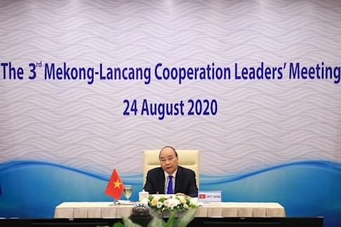 Vietnamese Prime Minister Nguyen Xuan Phuc addresses leaders from the Mekong-Lancang countries during the summit on Monday. Photo: AFP