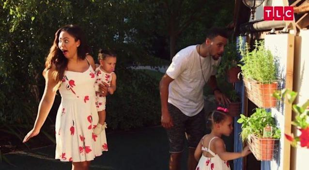 Stephen Curry did not want to wear the dress, apparently. (via TLC)