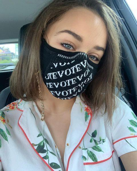 """<p>Some really exciting things happening in the life of Joey King: 1. She voted this week (!!!) and 2. She took out her super long extensions. The actress is now rocking a simple, shoulder-length bob and I, for one, fully stan this cut. </p><p><a href=""""https://www.instagram.com/p/CGFzmuvjqcU/"""">See the original post on Instagram</a></p>"""
