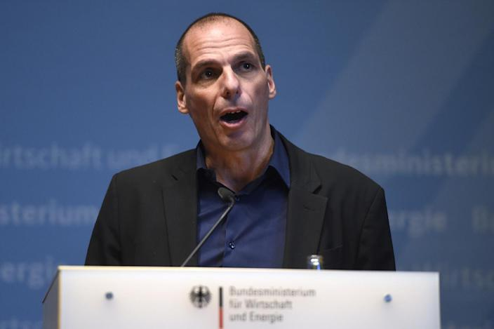 Greece's new Finance Minister Yanis Varoufakis attends a press conference after a meeting with the German Economy minister in Berlin, on February 5, 2015 (AFP Photo/Odd Andersen)