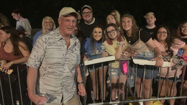 PHOTO: Taylor Swift's dad, Scott, handed out pizzas and posed with fans the night before her concert in Central Park on Thursday, Aug. 22, 2019. (ABC News)