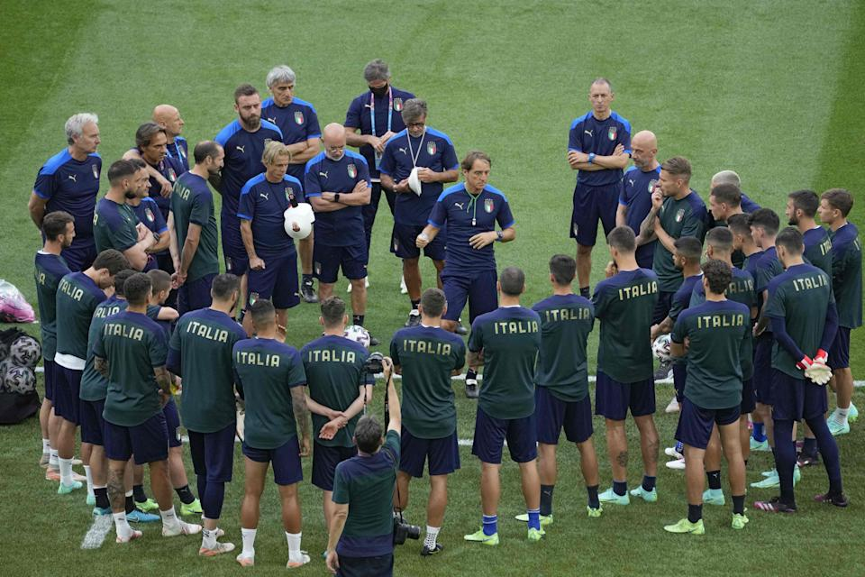 Mancini speaks with his squad ahead of the Euros (POOL/AFP via Getty Images)