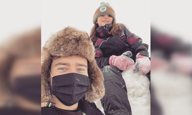 Gregory Thomas lives in Moncton and works at a diamond mine in Quebec. He took his daughter out of school so her could see her under new isolation rules. (Submitted by Gregory Thomas - image credit)
