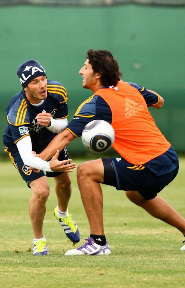 David Beckham and Omar Gonzalez during practice with the LA Galaxy. (11/11/2011)