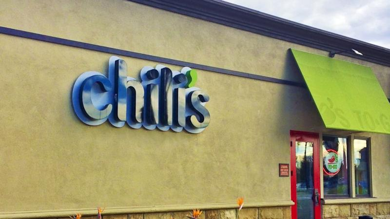 Cops Use DNA Analysis to Prove Chili's Waiter Spit in Customer's Drink