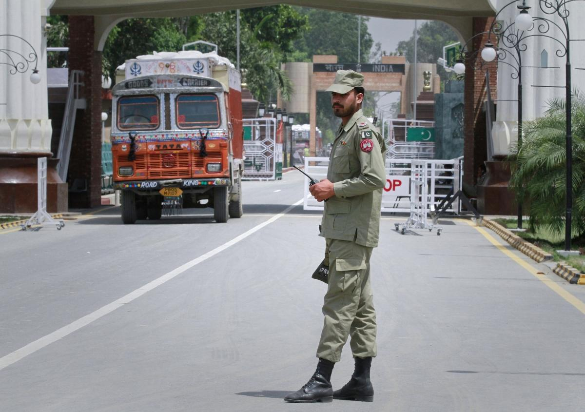 Pakistan loses about $7 billion annually on account of poor trade ties with India, according to a study.