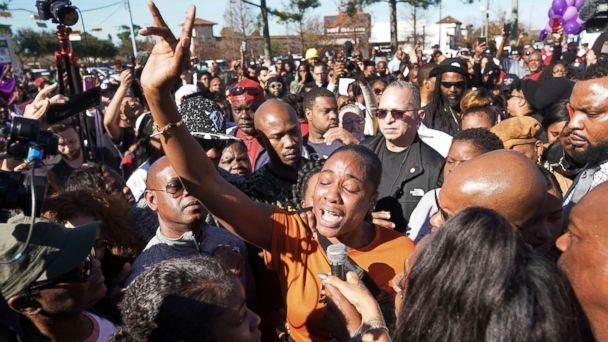 PHOTO: LaPorsha Washington, center, the mother of seven-year-old daughter Jazmine Barnes, who was killed on Sunday, speaks to the crowd during a community rally in Houston, Jan. 5, 2019. (Melissa Phillip/Houston Chronicle via AP)