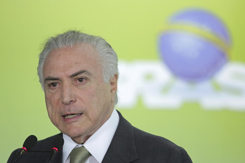 Driver rams his vehicle into Brazil's presidential residence