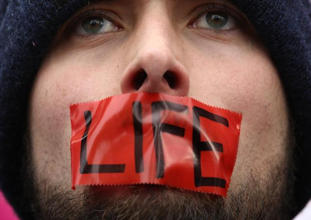 """<span class=""""s1"""">An abortion foe at the March for Life in Washington, D.C., in January 2017. (Photo: Win McNamee/Getty Images)</span>"""